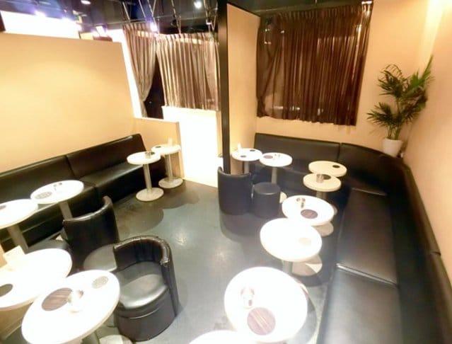 NEW CLUB BARNEYS TOKYO[バーニーズトーキョー](渋谷キャバクラ)のバイト求人・体験入店情報Photo2