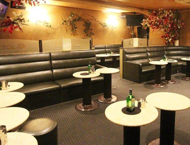 PUB CLUB CECIL[パブクラブ セシル](立川キャバクラ)のバイト求人・体験入店情報Photo2