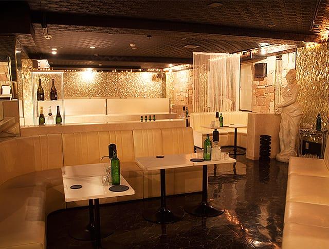 CLUB Varna[バルナ](八王子キャバクラ)のバイト求人・体験入店情報Photo1