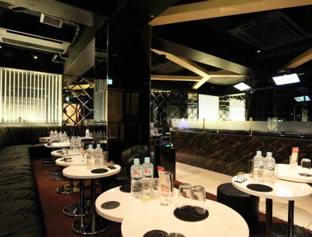 Club La Tour[ラトゥール](府中キャバクラ)のバイト求人・体験入店情報Photo2