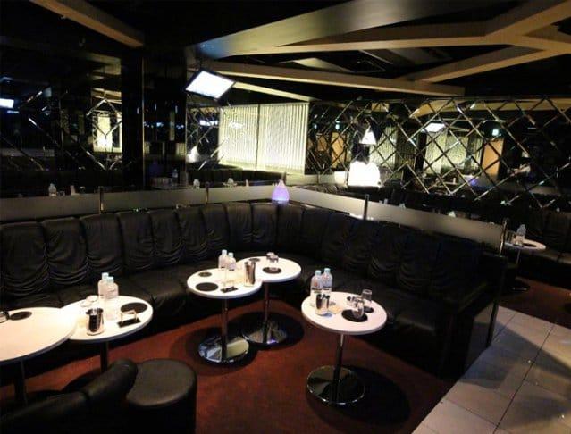 Club La Tour[ラトゥール](府中キャバクラ)のバイト求人・体験入店情報Photo3