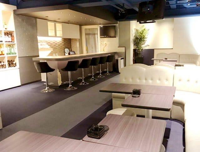 Night Lounge Aqua[ナイトラウンジ アクア](坂戸キャバクラ)のバイト求人・体験入店情報Photo1