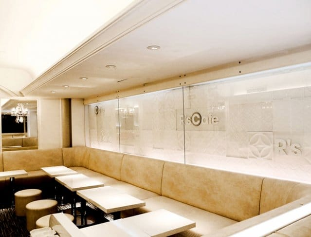 R's Cafe[アールズカフェ](銀座キャバクラ)のバイト求人・体験入店情報Photo2