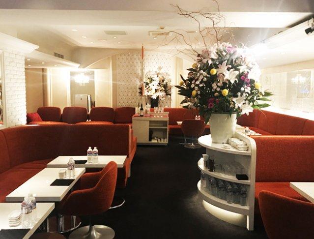 R's Cafe[アールズカフェ](銀座キャバクラ)のバイト求人・体験入店情報Photo1