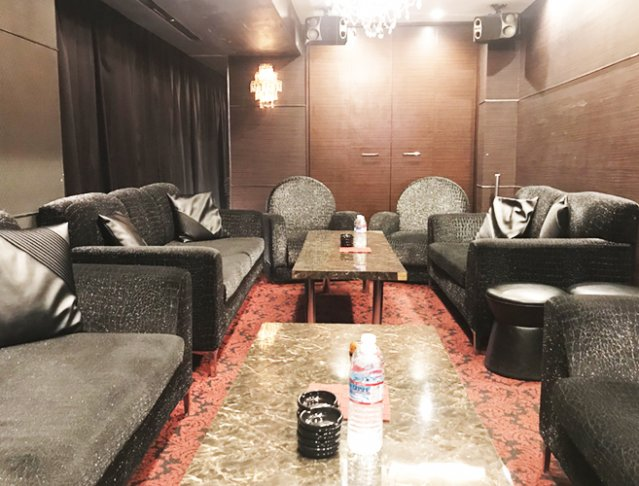 R's Cafe[アールズカフェ](銀座キャバクラ)のバイト求人・体験入店情報Photo5