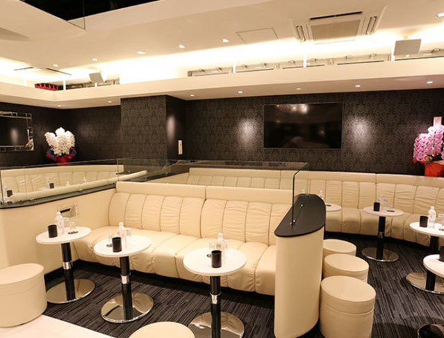 CLUB Tiara [ クラブ ティアラ](上野キャバクラ)のバイト求人・体験入店情報Photo2