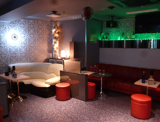 club Rouge Rouge[クラブ ルージュルージュ]  (中野キャバクラ)のバイト求人・体験入店情報Photo2