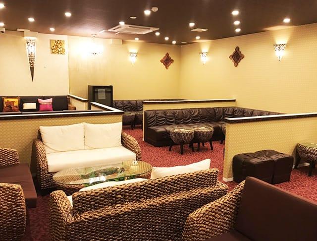club azian resort[クラブ アジアンリゾート](北千住キャバクラ)のバイト求人・体験入店情報Photo2