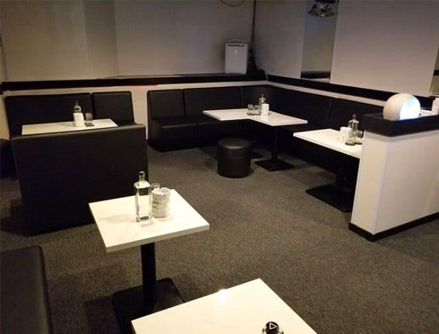 Pub TIARA[ティアラ] 五香 キャバクラ SHOP GALLERY 1