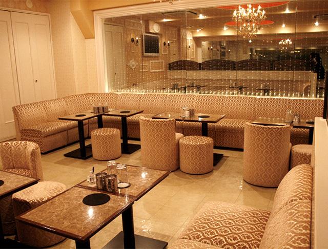 Club ROYAL GARDEN[クラブ ロイヤルガーデン](西船橋キャバクラ)のバイト求人・体験入店情報Photo1