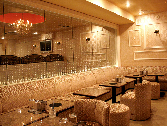 Club ROYAL GARDEN[クラブ ロイヤルガーデン](西船橋キャバクラ)のバイト求人・体験入店情報Photo3