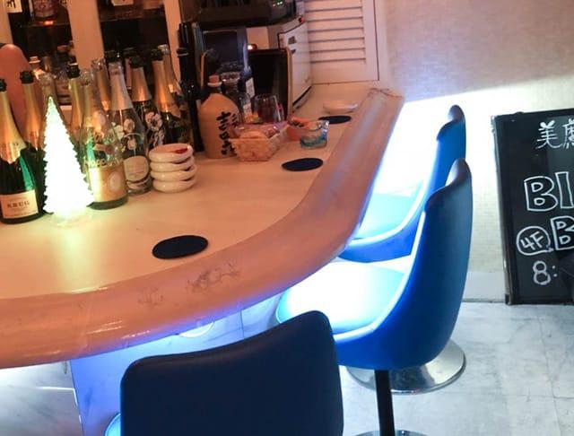 美魔女カラオケBAR Bluebell[ブルーベル](銀座キャバクラ)のバイト求人・体験入店情報Photo2