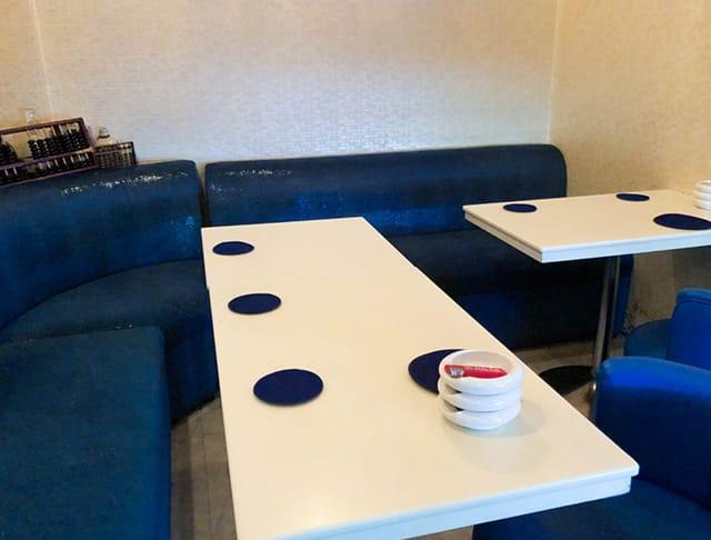 美魔女カラオケBAR Bluebell[ブルーベル](銀座キャバクラ)のバイト求人・体験入店情報Photo3