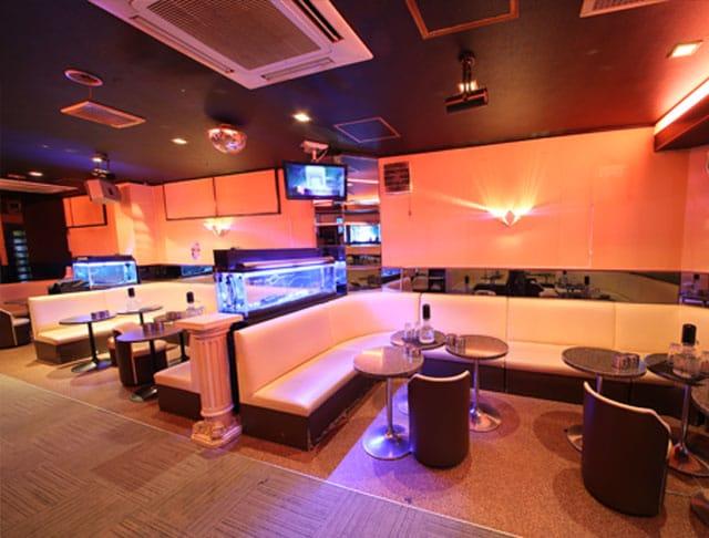 club Lowe [レーヴェ](川崎キャバクラ)のバイト求人・体験入店情報Photo2
