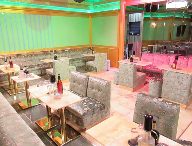 Luxury Club PLATINUM[プラチナム](西船橋キャバクラ)のバイト求人・体験入店情報Photo3