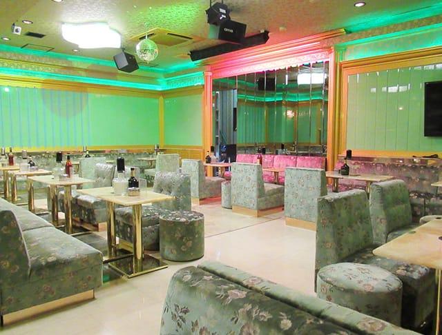 Luxury Club PLATINUM[プラチナム](西船橋キャバクラ)のバイト求人・体験入店情報Photo4