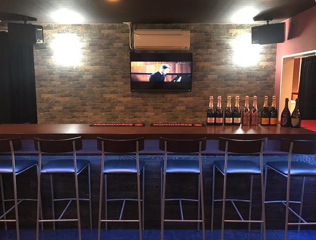 girl's bar DOGGY[ドギー](錦糸町キャバクラ)のバイト求人・体験入店情報Photo1