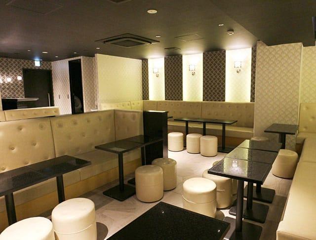 club Rosanna[ロザーナ](関内キャバクラ)のバイト求人・体験入店情報Photo1