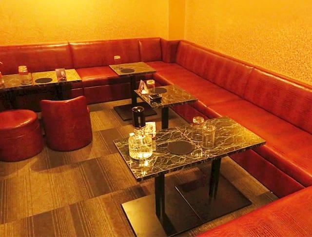 Club 輝夜(カグヤ)(神田キャバクラ)のバイト求人・体験入店情報Photo1