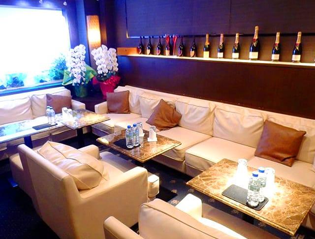 Club Ammon[アモン](南越谷キャバクラ)のバイト求人・体験入店情報Photo4