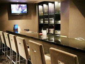 Bar&Lounge 花mizuki(ハナミズキ) 三宮スナック SHOP GALLERY 1