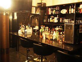 Bar LOL(エルオーエル) 歌舞伎町ガールズバー SHOP GALLERY 1