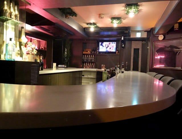 Girl's Bar M's(ガールズバーエムズ)の店内の様子