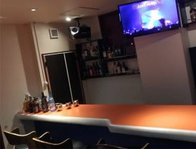Bar Glowing(バーグローイング) 長野ガールズバー SHOP GALLERY 3