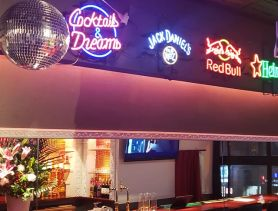 BG Bar Wynn(ウィン)西中洲店 中洲ガールズバー SHOP GALLERY 1
