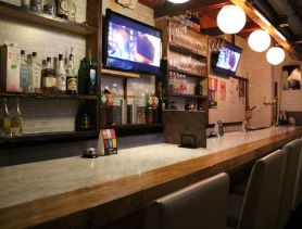 Café&Bar Clover(クローバー) 桜木町ガールズバー SHOP GALLERY 1
