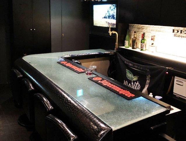 Girl's Bar DEN<デン> 六本木 ガールズバー SHOP GALLERY 1