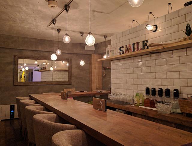 Girls Bar Lounge smile<スマイル> 上野 ガールズバー SHOP GALLERY 3