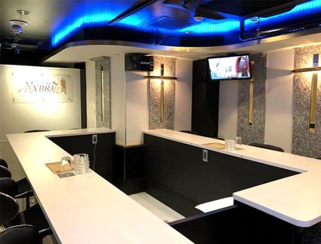 Girl's Bar HYBRID<ガールズバーハイブリッド> 八王子 ガールズバー SHOP GALLERY 1