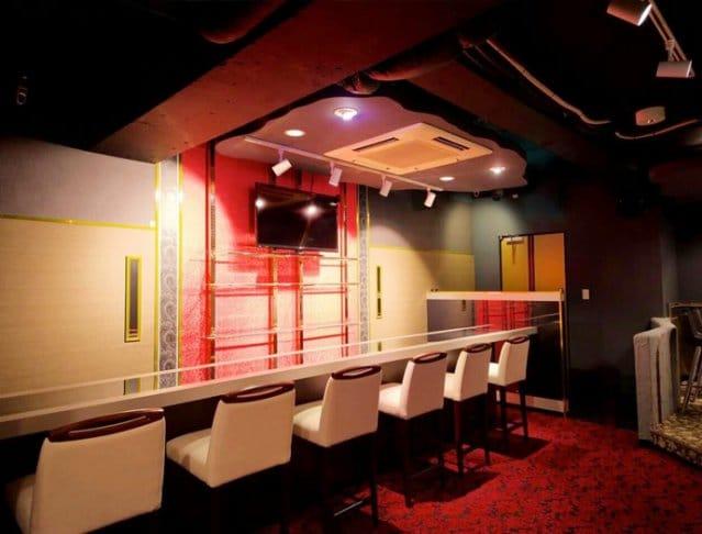 Girl's Bar THIS<ディス> 六本木 ガールズバー SHOP GALLERY 1