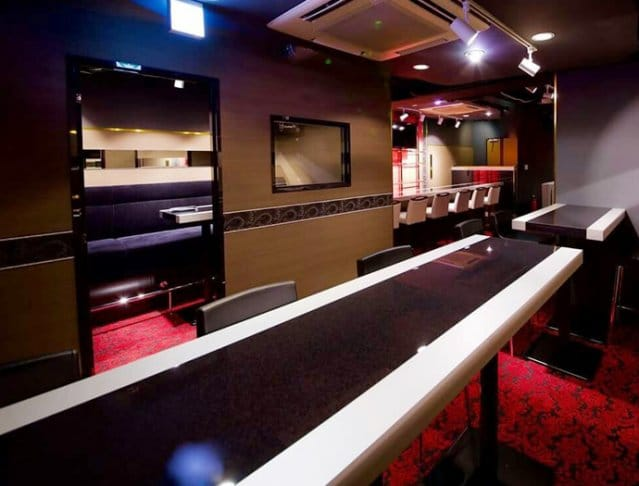 Girl's Bar THIS<ディス> 六本木 ガールズバー SHOP GALLERY 2