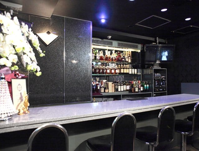Girl's Bar AURORA<アウロラ> 新橋 ガールズバー SHOP GALLERY 2