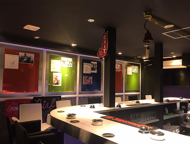 OBLONG Bar CHOFU<オブロングバー> 調布 ガールズバー SHOP GALLERY 4