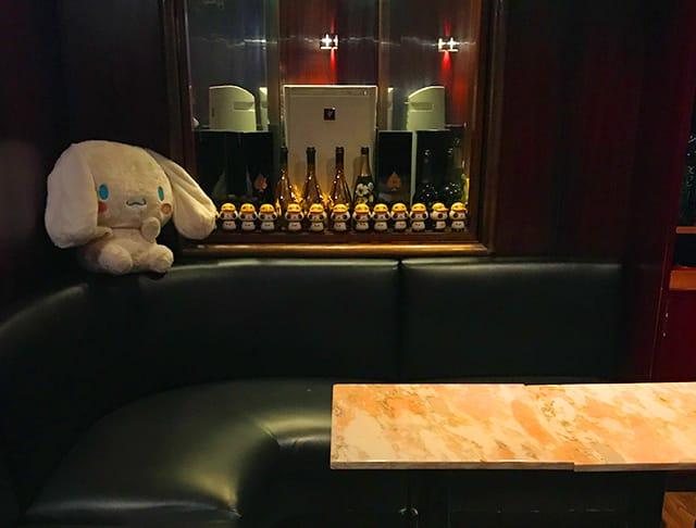 EASY LIGHT [イージーライト] 歌舞伎町 ガールズバー SHOP GALLERY 3