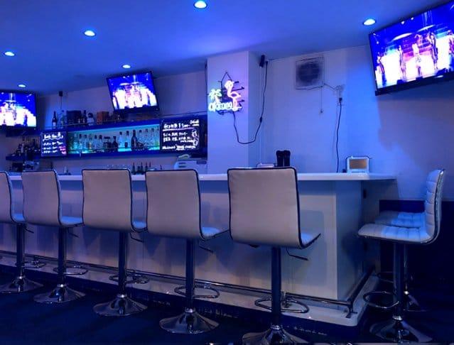Girl's Bar Blue<ブルー> 歌舞伎町 ガールズバー SHOP GALLERY 2
