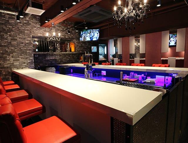 Girl's Bar Lovin'<ラヴィン> 歌舞伎町 ガールズバー SHOP GALLERY 1