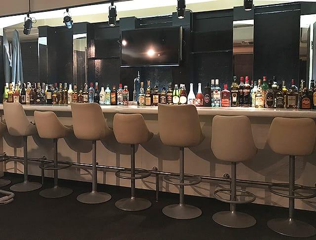 Girls Bar L.O.L<エルオーエル> 品川 ガールズバー SHOP GALLERY 1