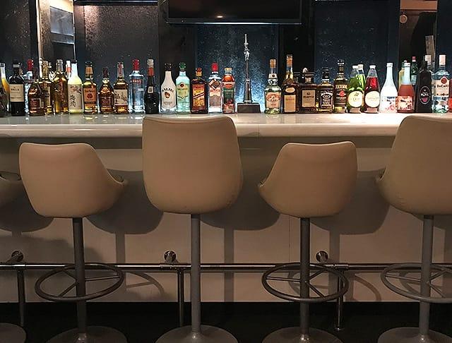 Girls Bar L.O.L<エルオーエル> 品川 ガールズバー SHOP GALLERY 3