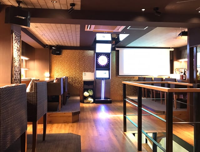 Girl's Bar Resort 2nd<リゾートセカンド> 池袋 ガールズバー SHOP GALLERY 1