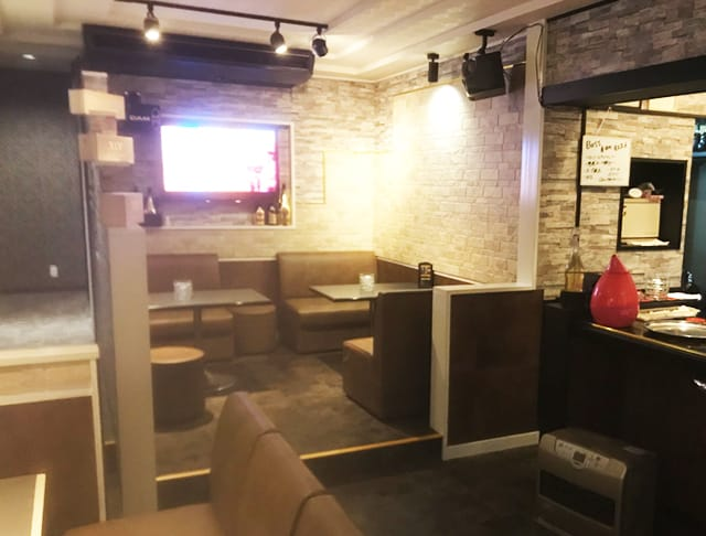 G Bar URU<ウル> 熊谷 ガールズバー SHOP GALLERY 1