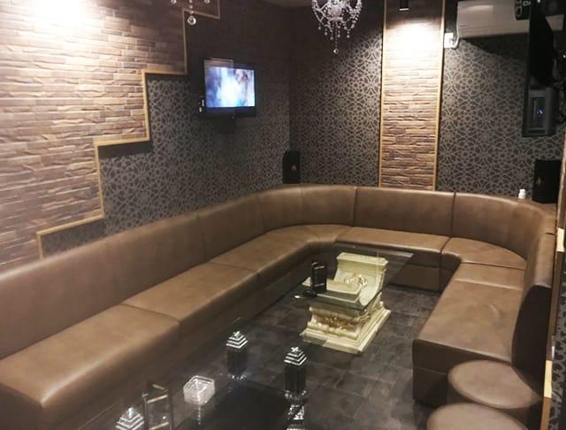G Bar URU<ウル> 熊谷 ガールズバー SHOP GALLERY 2